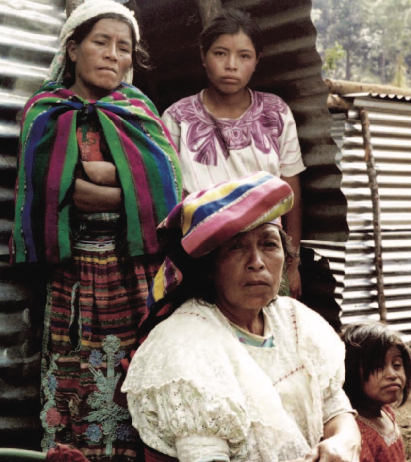 A displaced family from the community of Los Cimientos in the Ixil regio (Michael Flynn/Bulletin of the Atomic Scientists 2002)