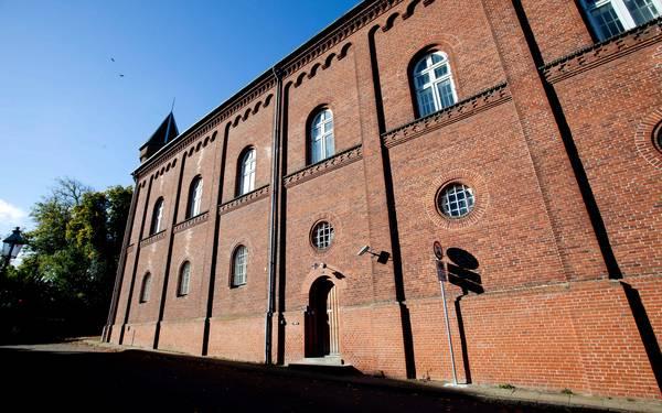 Morten Dueholm: Viborg Arrest virker som en uindtagelig borg, https://viborg-folkeblad.dk/viborg/Viborg-Arrest-virker-som-en-uindtagelig-borg/artikel/226809